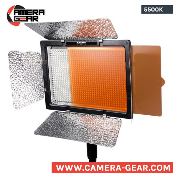 Yongnuo YN900 5500K daylight balanced LED Light with 95 CRI